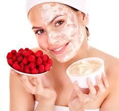 10 самых эффективных масок для сухой кожи лица
