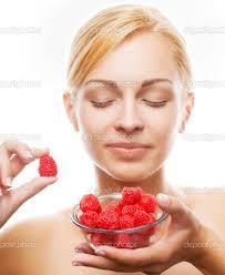 Польза и вред малины для здоровья