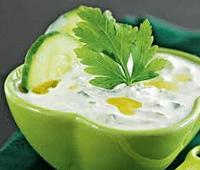 Как приготовить летний греческий соус Цацики (Дзадзики)