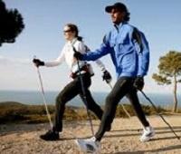 Скандинавская ходьба с палками: техника, экипировка, польза для молодых и пожилых