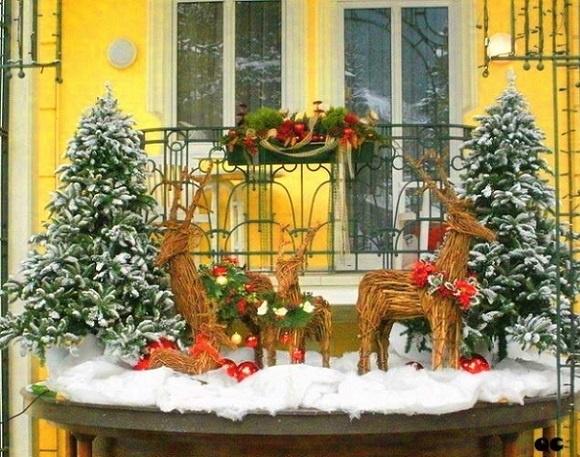 как украсить балкон к новому году3