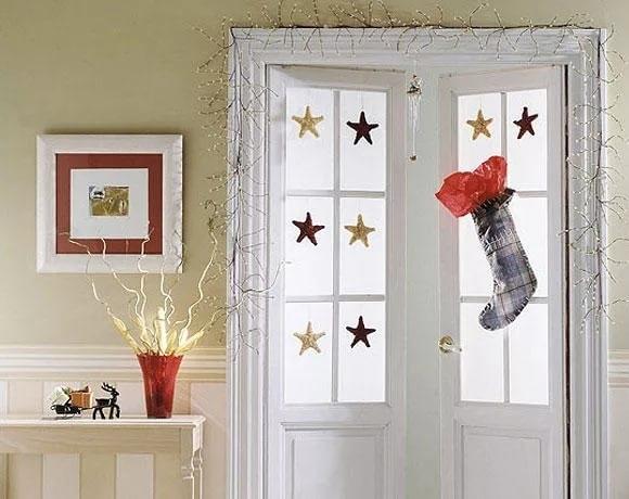 как украсить входную дверь к новому году3