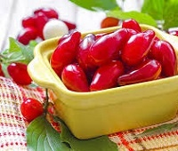Кизил свежий и сушеный: состав, калории, полезные свойства и противопоказания