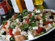 салат с курицей и сыром моцарелла