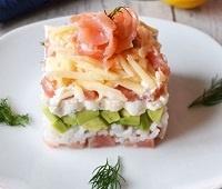 Салат с авокадо и семгой. Рецепт.