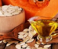 Тыквенное масло: состав, польза, вред, как принимать для здоровья и красоты