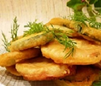 Кабачки на сковороде: рецепты в кляре, с чесноком, помидорами и фаршем