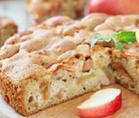 Шарлотка с яблоками: 9 самых простых и вкусных рецептов