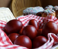 Как покрасить яйца на Пасху своими руками - 9 самых красивых и оригинальных способов