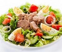 Салаты с тунцом консервированным - 12 самых вкусных рецептов