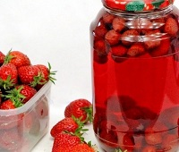 Клубничный компот - 10 самых простых и вкусных рецептов приготовления