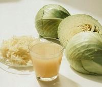 Сок (рассол) квашеной капусты: состав, калорийность, польза, применение, рецепты и вред